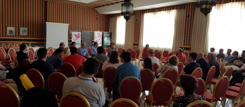 Javier Peris en la Mesa Debate XI Jornadas Asociación Profesional de Informáticos de la Salud de Andalucía APISA junto a Juan Díaz, Ricard Martinez, Andres Calvo y Javier Jimenez